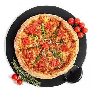 Kenley Noir ensemble de pierre à pizza pour cuisson et cuisson à pizza et à pain dans le four, grill ou barbecue–Pierre ronde 38,1cm avec roulette à pizza–Large Plat en céramique Poêle cuisson de pizza Uniformément et donne une croûte croustillante d image 0 produit