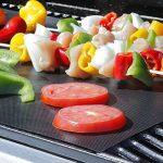qmq Barbecue Tapis (Lot de 5) pour griller et pâtisserie–en silicone avec revêtement anti-adhésif en Teflon–40x 33cm–Idéal pour gaz–Charbon–Compatible Micro-Ondes Et Four Barbecue électrique | et FDA LFGB d'Autorisation de la marque QMQ image 4 produit