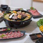 TomYang Barbecue avec accessoires Premium pour 2 personnes. Le barbecue thaïlandais original et Hot Pot! La cuisine minceur saine de l`Asie: un barbecue de table, barbecue électrique et fondue d'Asie. Faites des grillades sans ajouter de matière grasse. d image 1 produit