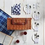 VonShef Panier Pique-Nique Traditionnel en Osier 4 personnes - Vaisselle de Picnic et Plaid inclus de la marque VonShef image 1 produit